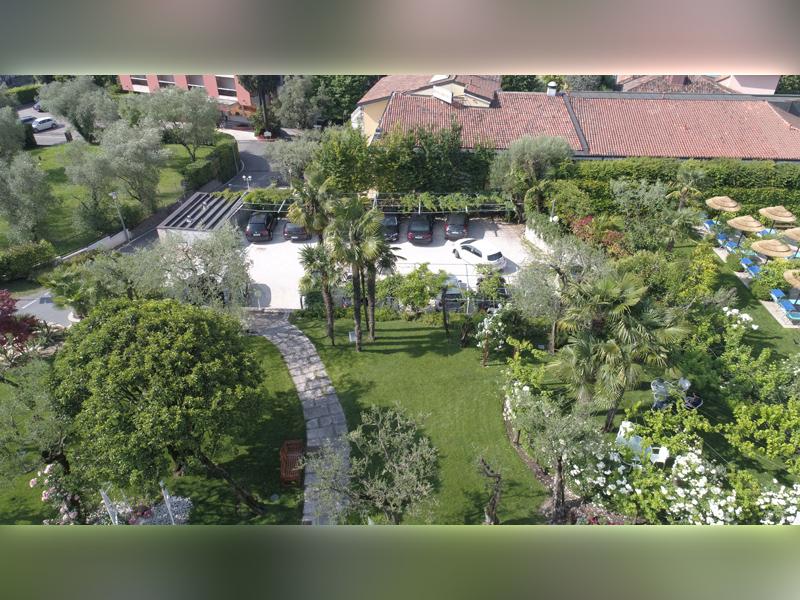 Studio di Architettura Fattori Fausto - Hotel Olivi Sirmione - progetto copertura parcheggio con solaio post teso - prima 4