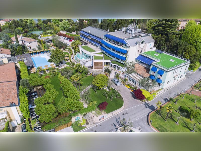 Studio di Architettura Fattori Fausto - Hotel Olivi Sirmione - progetto copertura parcheggio con solaio post teso - dopo 2