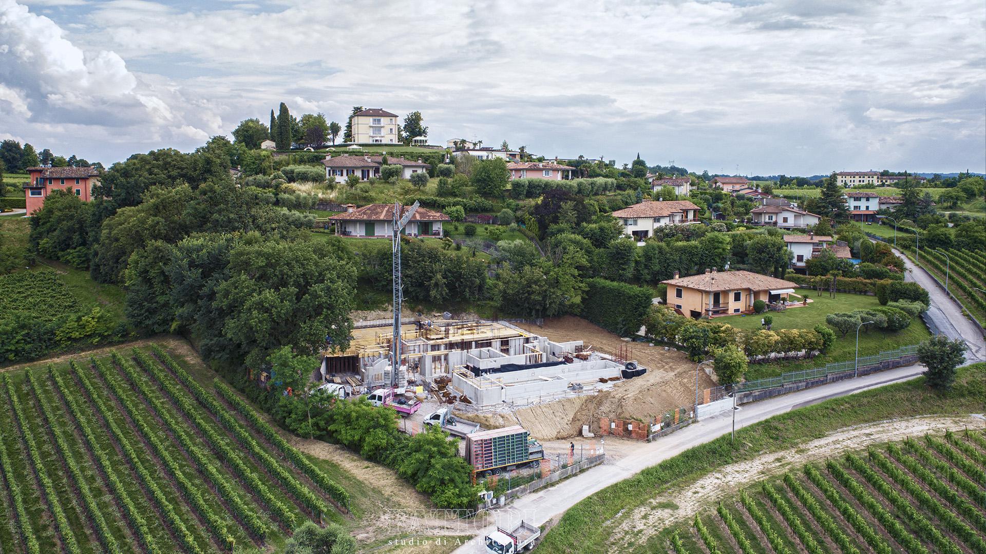 Studio di Architettura Fattori Fausto - progettazione villa con piscina e solaio post teso